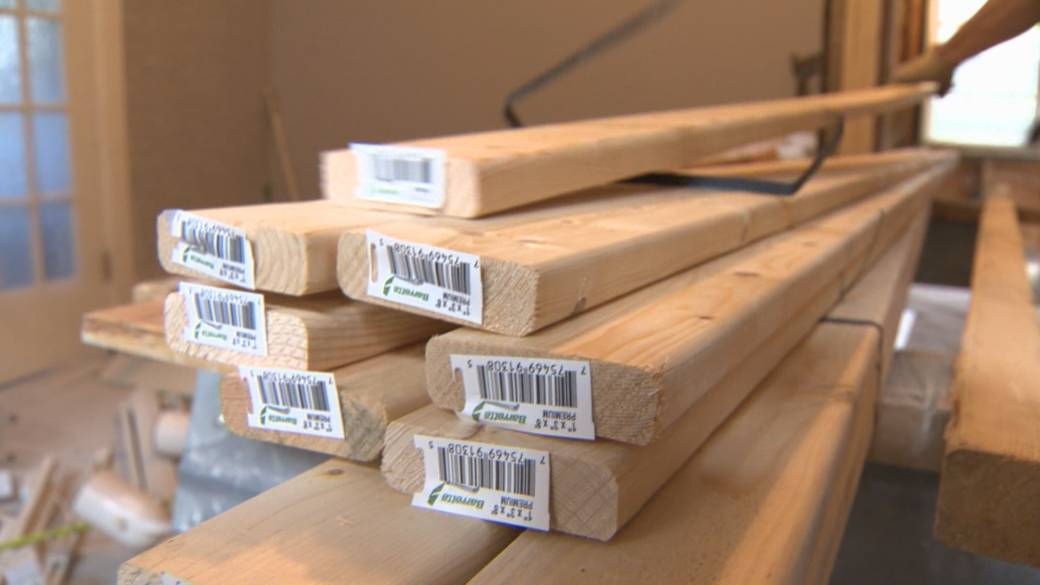 Click to play video: 'B.C. lumber prices skyrocket in last 18 months'