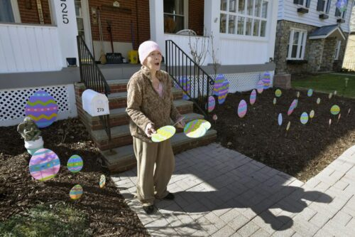 WATCH VIDEO | Salvation Army surprises Somerset woman with Easter decorations | Local News